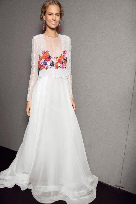modelado duradero encanto de costo tiendas populares 5 Vestidos de novia bordados con todo el folclor de una boda ...